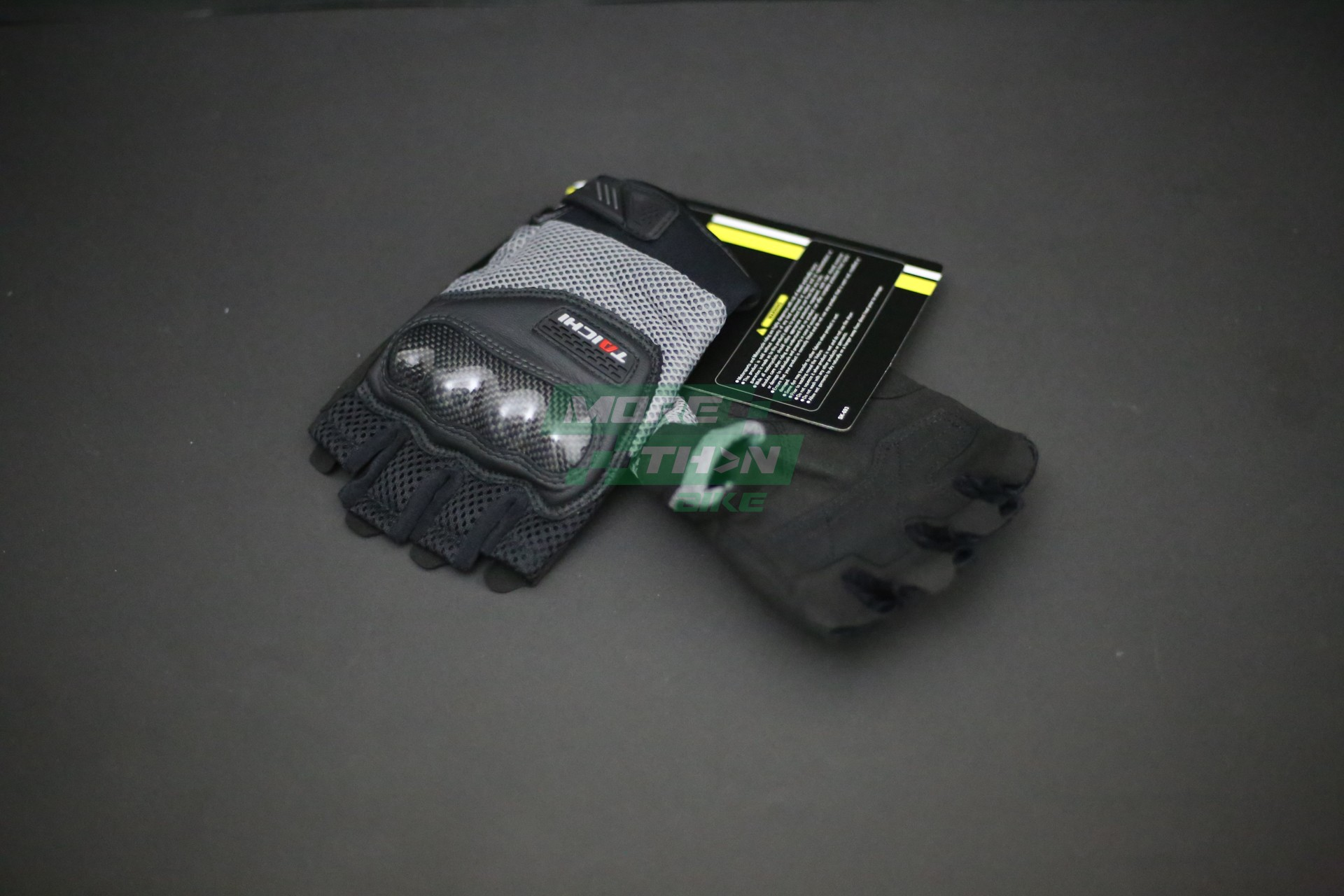 RS TAICHI RST405 Mesh Protection Half Finger Glove Gray 2