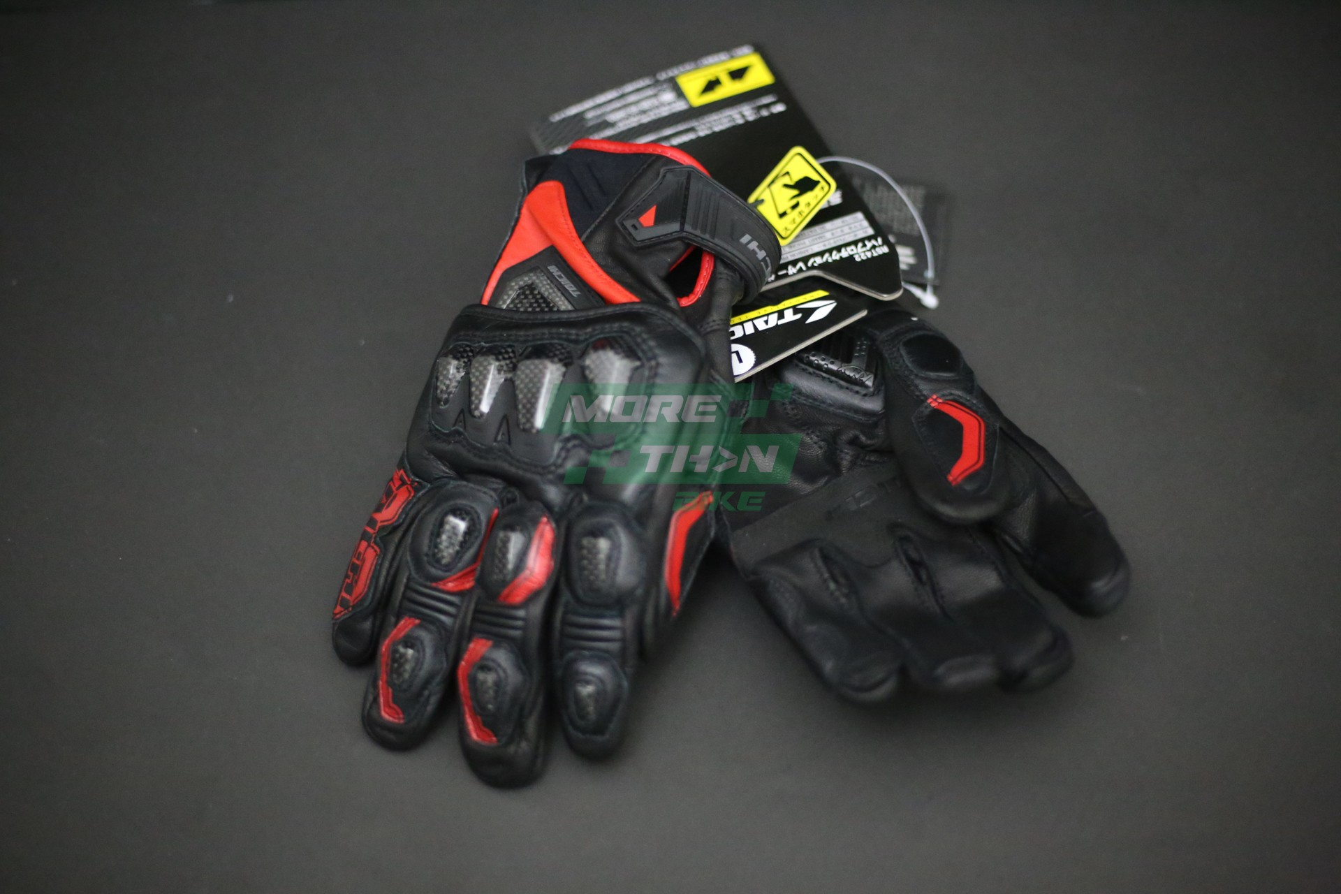 RS TAICHI RST422 High Protection Leather Glove 1