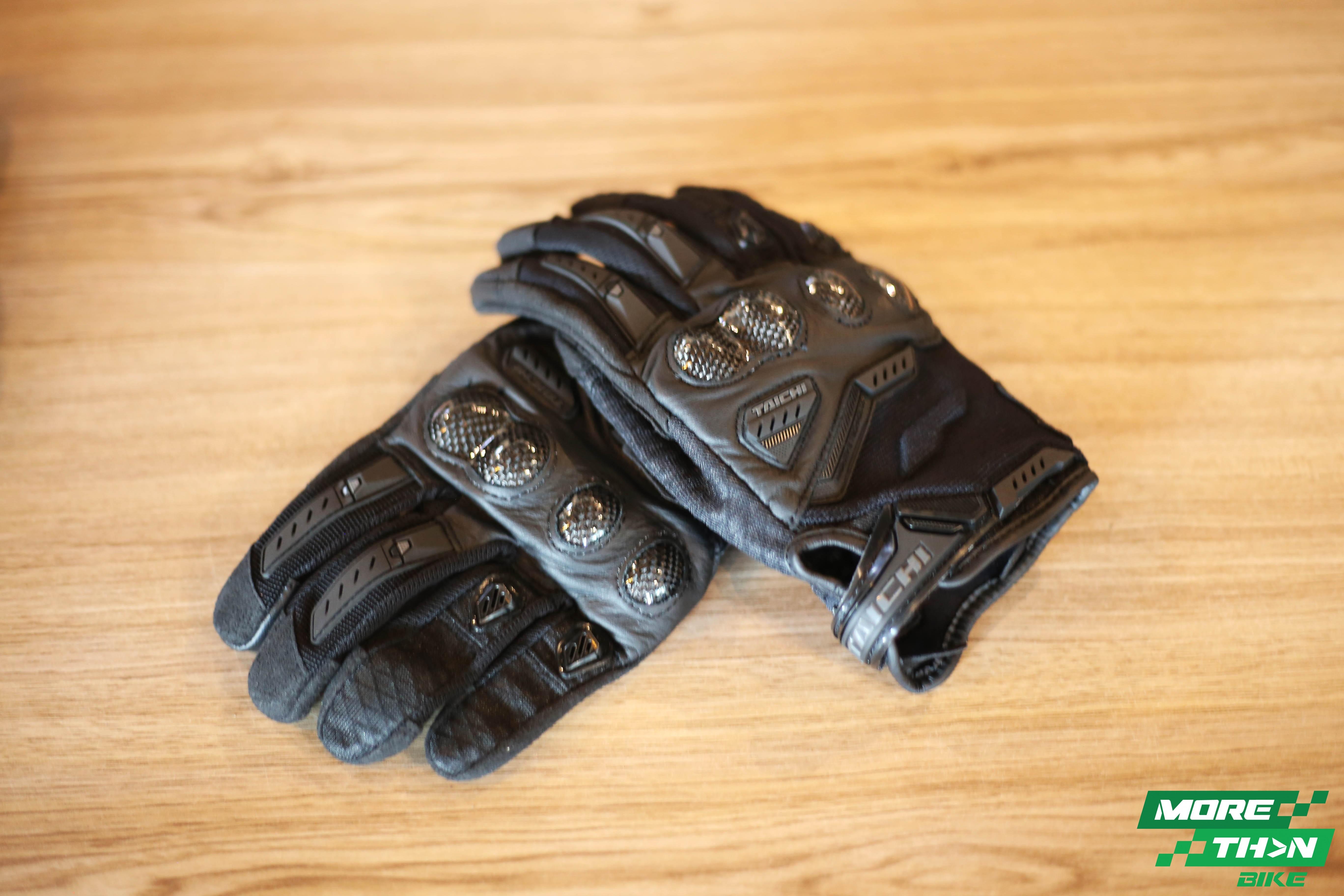 rstaichi444-velocity-mesh-glove-black-1